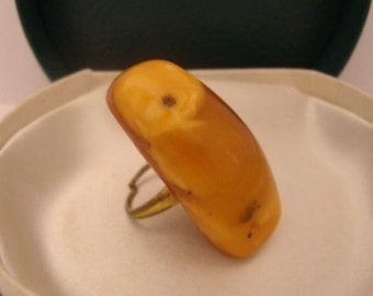 Amber Baltic Ring Antique Natural 7.85 Gr Butterscotch Light Color Elegant Adjustable