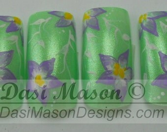 White and Lilac Floral on Green Instant Acrylic Nail Set