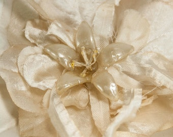 Vintage Millinery Pin Ivory Ombre Flower Hat NOS