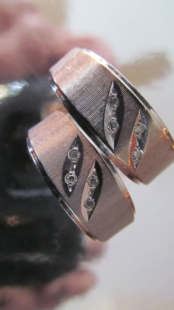 Retro 14k white gold wedding bands set  with 8 diamonds