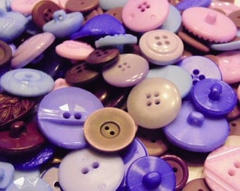 100 piece purple, lilac and plum tone button mix, 12-30 mm  (42)
