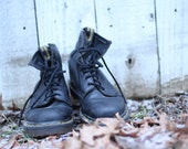 Mens Womens DR. Martens size 6 Black 8 eye boots free shipping
