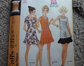 Vintage McCall's  Misses' Dress Pattern 2315  Size 12