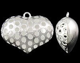 2pc 30x26mm silver finish brass made hollow heart pendants-9513