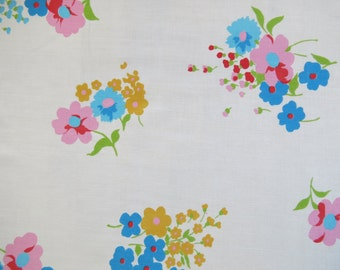 Vintage Sheet Fat Quarter Fabric - Bright Blossoms