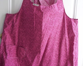 WRAP-AROUND APRON with pocket