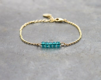 Green bracelet with gold plated chain 24K / bar bracelet for women / crystal beads