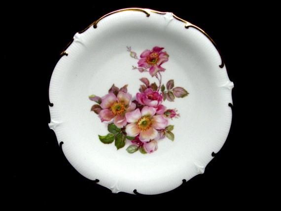 items similar to bavaria schumann arzberg wild rose gilded porcelain plate germany on etsy. Black Bedroom Furniture Sets. Home Design Ideas