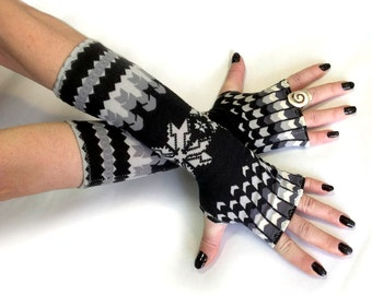 Christmas Arm Warmers, fingerless gloves , mittens - wrist warmers , cuffs , Limited Edition