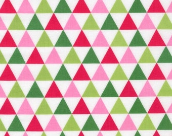 Ann Kelle: Remix Triangle in Garden - 1 Yard