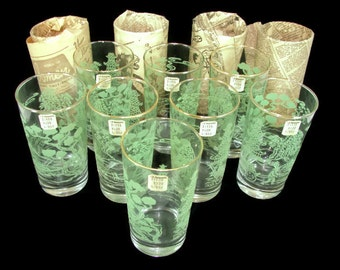 12 Vintage Green Print Glasses, 1960 Light Green Raised Textured NOS Tumblers, Japanese Scene with Gold Rim, Asian Oriental Glasses