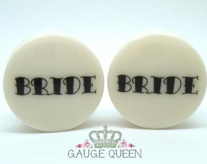 "Bride & Groom Plugs / Gauges.4g /5mm, 2g /6.5mm, 0g /8mm, 00g /10mm, 1/2"" /12.5mm, 9/16"" /14mm, 5/8"" /16mm, 3/4"" /19mm, 7/8"" /22mm, 1"" /25mm"