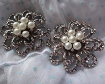 Pair, bridesmaids gift shoe clips, floral shoe decoration, Pearls shoe clips, bridal shoe clips, wedding shoe clips, rhinestone shoe clips,