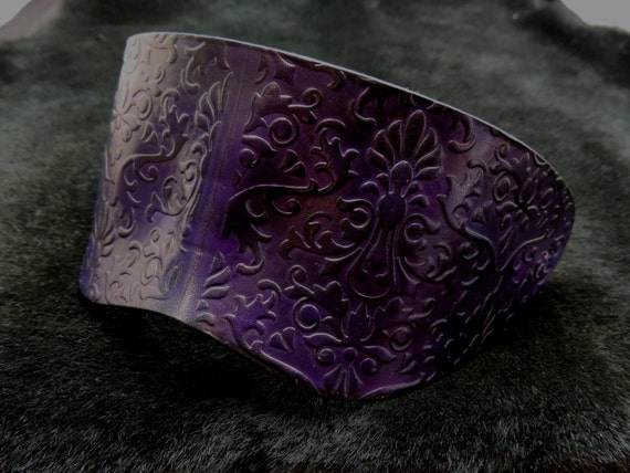 Handmade Molded Embossed Purple Leather Blindfold Masquerade Mask