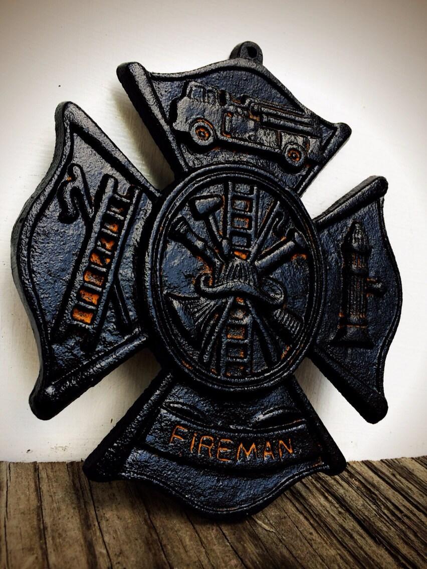 Fireman Sign Maltese Cross / Rustic Man Cave Sign / Firefighter Wedding  Gift / Firemen Home