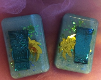 Tiki and Hibiscus Green Glitter Lucite Earrings