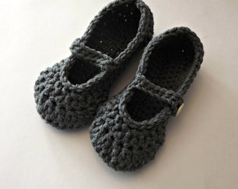 Womens Mary Jane style crochet slippers in gray, gray slippers, bedroom slippers, ladies slippers