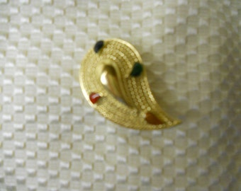 Vintage Gold Tear Drop Brooch