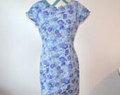 Vintage Floral Print Shift Dress Short Sleeve - Blue, Periwinkle, Purple, Gray Rose Print - All That Jazz - Size 11 / 12 Medium Large