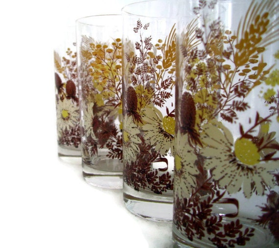 Brown Drinking Glass White Daisies Wheat