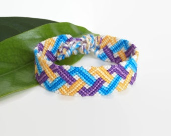 "Colorful macrame friendship bracelet, Boho wrist cuff, unisex adult friendship cuff ""triple zig zag"",15,5 cm (6,1 inches)"