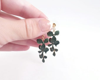 Christmas Gift Help, Green Gold Earrings, Green Dangles, Flower Earrings, Nature Inspired Flower Jewelry, Design Jewelry,Xmas Presents Ideas