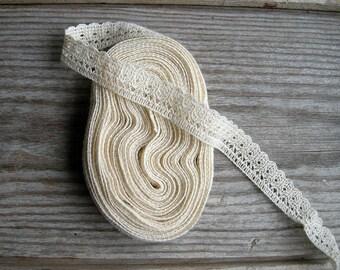 4 meters / Cotton Lace Trim / Beige cream colour