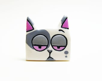 White stray cat brooch polymer clay