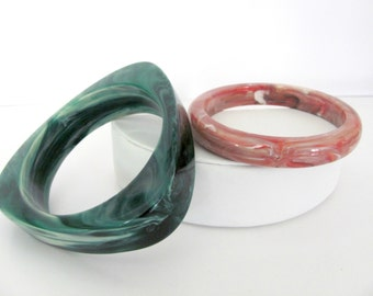 Vintage Bangle Bracelets, 1980's Marbleized Bracelets, Green, Pink Bangles, Stackable Bracelets, Set of 2