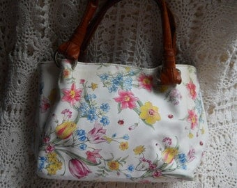handbag perfect for the summer
