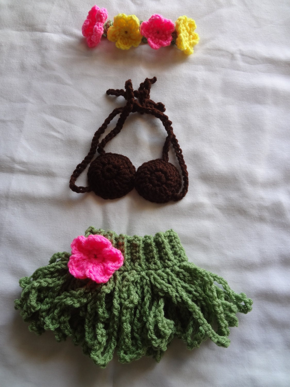 Crochet Hibiscus Flower Pattern Free : Crochet Hula Skirt Coconut top and Flower headband. Baby