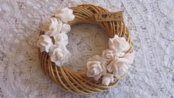 Ghirlanda con rose bianche e scritta love - Ghirlanda porta ...