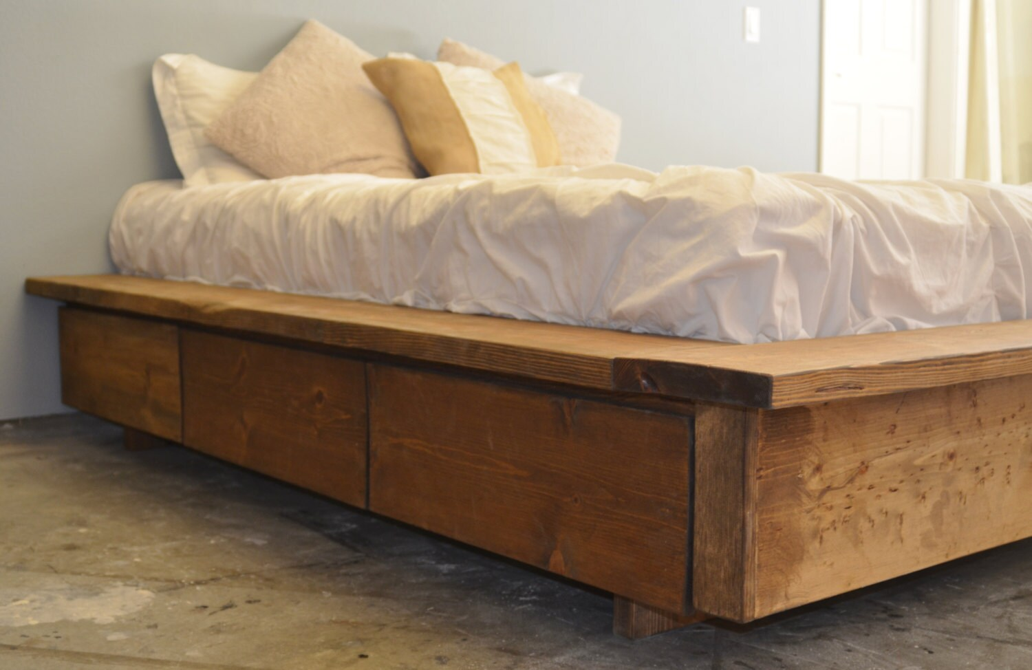 Platform Bed with Drawer Storage-La Plata