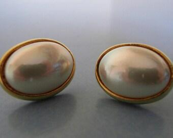 Sphinx moonglow post earrings