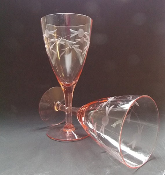 Pair Of Pink Etched Wine Glasses / Wedding Glasses / Toasting