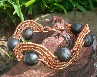 Copper and howlite wire weaved bracelet