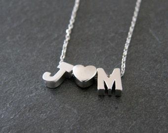 Les initiales argent personnalisés avec coeur personnalisé collier, collier initiale, Simple moderne, romantique, amour, cadeau pour elle
