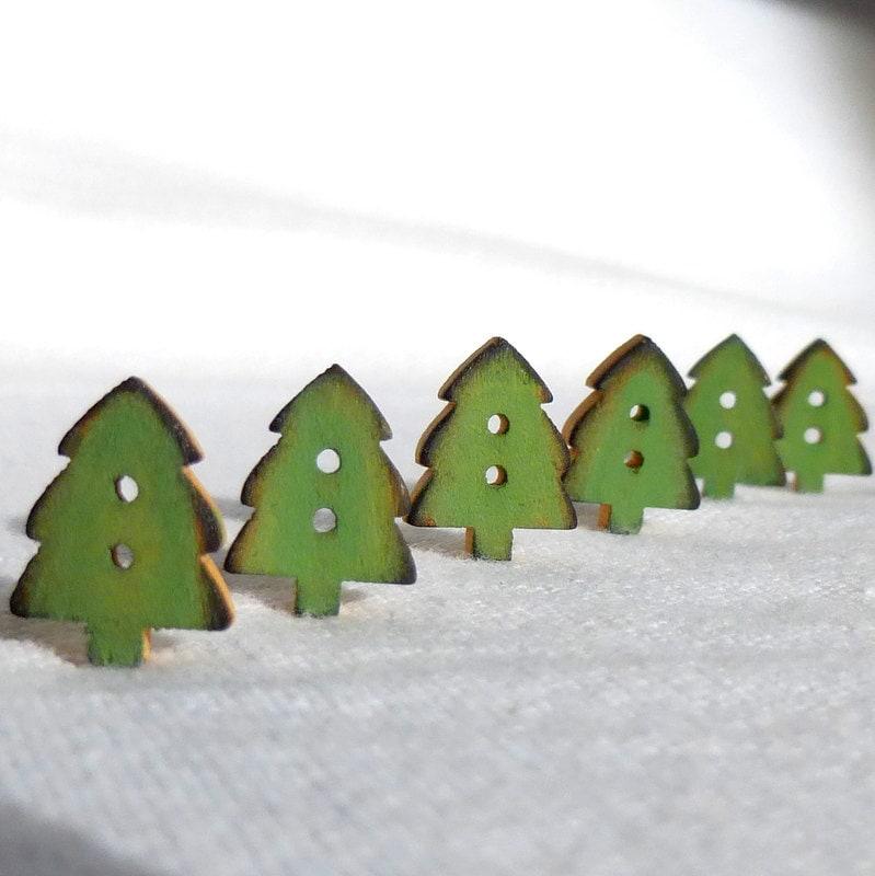 Button Christmas Trees: Tiny Green Christmas Tree Buttons Christmas Button Wood Set