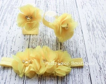 YELLOW Barefoot sandals and headband set, headband and barefoot sandals for infants and toddlers.