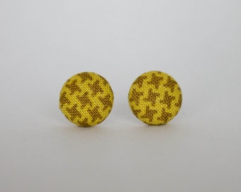 Houndstooth Brown fabric covered button earrings