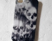 2d Candle dripped skull phone case (available for every smartphone)
