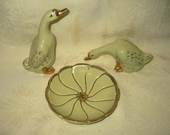 Vintage Ceramic Pottery Geese With Matching Dish