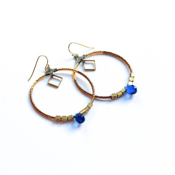 Créoles Perlées Bleues, Bronze et Dorées, Originales et Chic, Inspiration Retro - UNIQUE PAIRE