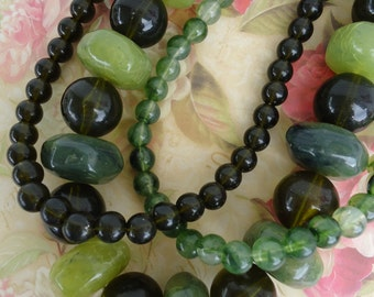 Vintage 3 Strand Beaded Necklace