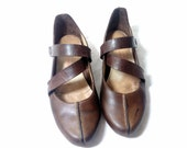 Vintage French Distressed Tan Leather Flat Summer Shoes / Size : EU 38 / US Women's 7 1/2