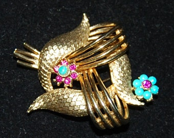 signed  coro brooch, vintage costume jewelry