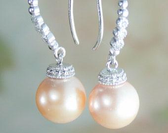 Peach earrings,Peach pearl earrings,Peach earring,pearl earrings,peach wedding jewelry,peach bridesmaid earrings,peach wedding,peach