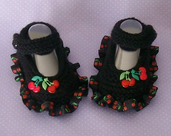 Hand Knitted Baby Girls  Mary Jane Booties