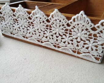 Vintage Off White Cotton Lace Trim Embroidered Scalloped Lace 2.16 Inch Wide 2 Yards Sewing Lace