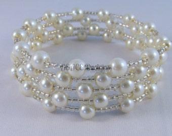 Ivory Pearl Memory Wire Bracelet.
